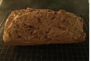 cake van speltmeel en notenklein